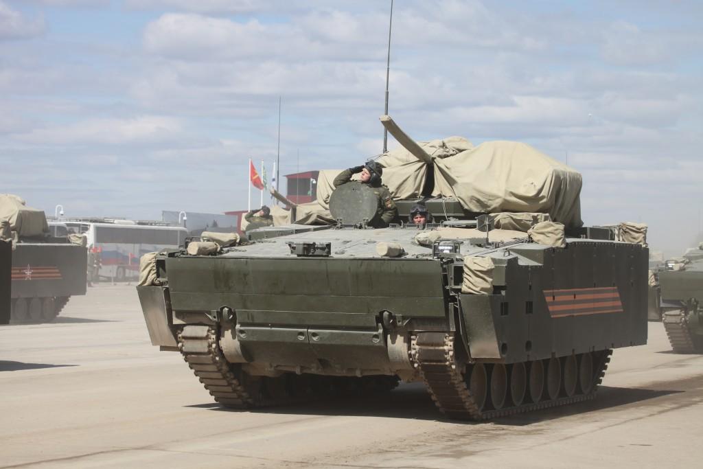 Bojové vozidlo pěchoty objekt 695 na jednotné platformě Kruganěc-25